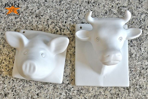 The Cow and the Pig in the kitchen