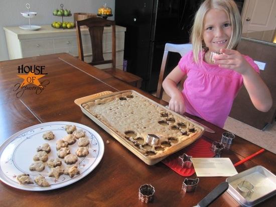 Mini cookie cutouts – fun way to bake with your kids