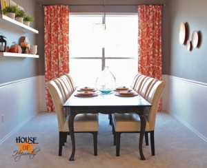 The dining table {finally} has functional chairs