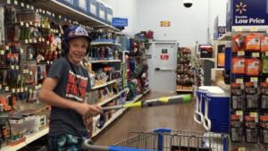 so busted at Wal-Mart || Vlog_17
