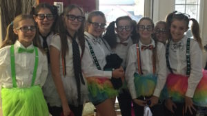 a gaggle of nerdy girls for Halloween || Vlog_30