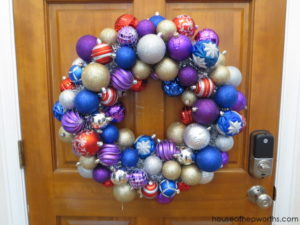 Make your own fancy ORNAMENT WREATH! Easy and inexpensive