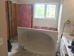 Master bathroom reno update 4 || removing the garden bathtub