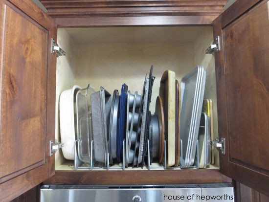 Organizing in the kitchen: bakeware