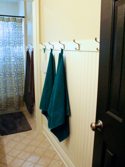 beadboard and hooks in the bathroom